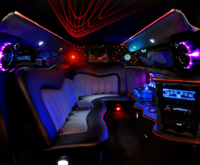 V hicules aamerican limousines paris france louez for Interieur hummer